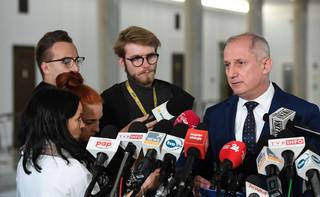 Neumann i Halicki zrzekli się immunitetu. W maju na marszu w Warszawie odpalili race