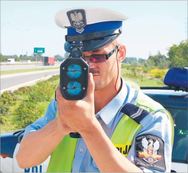 Laserowych radarów policja używa od niedawna, ale kierowcy już mają urządzenia zdolne je zakłócać Fot. Dominik Gryzewski/SE/East News