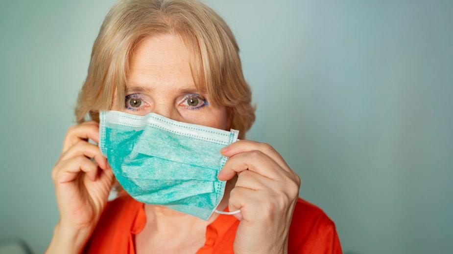 Czy lekarz może wypisać zwolnienie z noszenia maseczki?