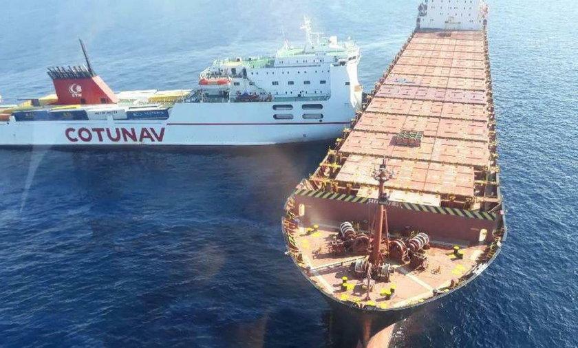 Korsyka.Zderzenie kontenerowców.