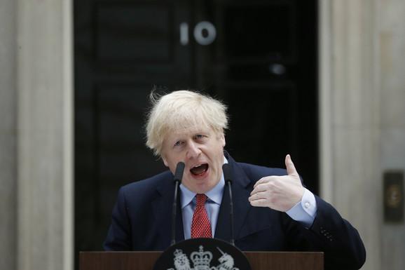 Džonson: Vakcinacija u Velikoj Britaniji NEĆE BITI OBAVEZNA
