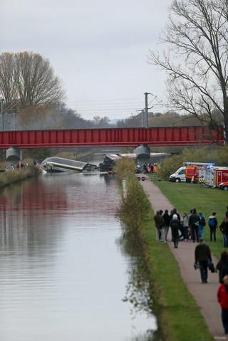 Katastrofa pociągu TGV pod Strasburgiem. 'Nie ma dowodów na zamach terrorystyczny'