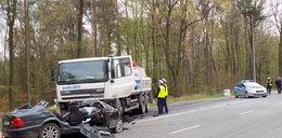 Kierowca uderzył w ciężarówkę