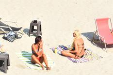 Novi Sad068 Miholjsko leto suncanje na strandu lepo vreme foto Nenad Mihajlovic