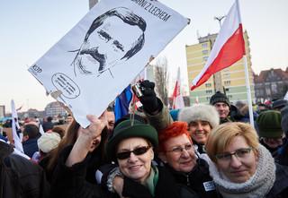 Nowacka: Bronimy krzywdzonych, a Wałęsa jest krzywdzony nagonką. Nie ma zgody na plucie błotem na symbol