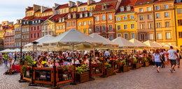Nowy pomysł na ratowanie gastronomii w Warszawie. Restauracje zapłacą 1 grosz za ogródki?