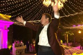 Bogoljub Karić otkrio da je za svadbu sina obukao smoking STAR 34 GODINE, koji je već nosio za jednu SPECIJALNU PRILIKU