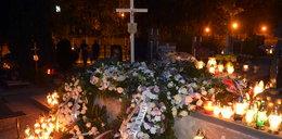 Znicze na grobie Anny Przybylskiej