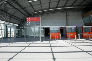 Gigantyczne koszty ewakuacji lotnisk w Warszawie i Modlinie. Najdroższe są przesunięcia lotów