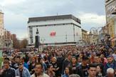 NIS01 gradjani se okupili da protestuju posle odluke da se aerodrom prenese republici u vlasnistvo foto Branko Janackovic