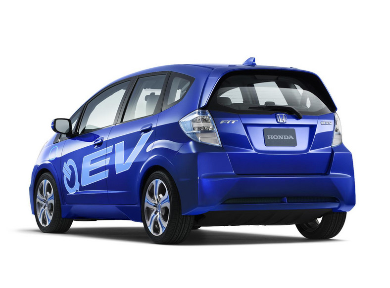 Podczas salonu samochodowego w Genewie Honda zaprezentuje model EV - prototyp auta na energię elektryczną oraz hybrydowy zespół napędowy typu plug-in dla aut klasy średniej