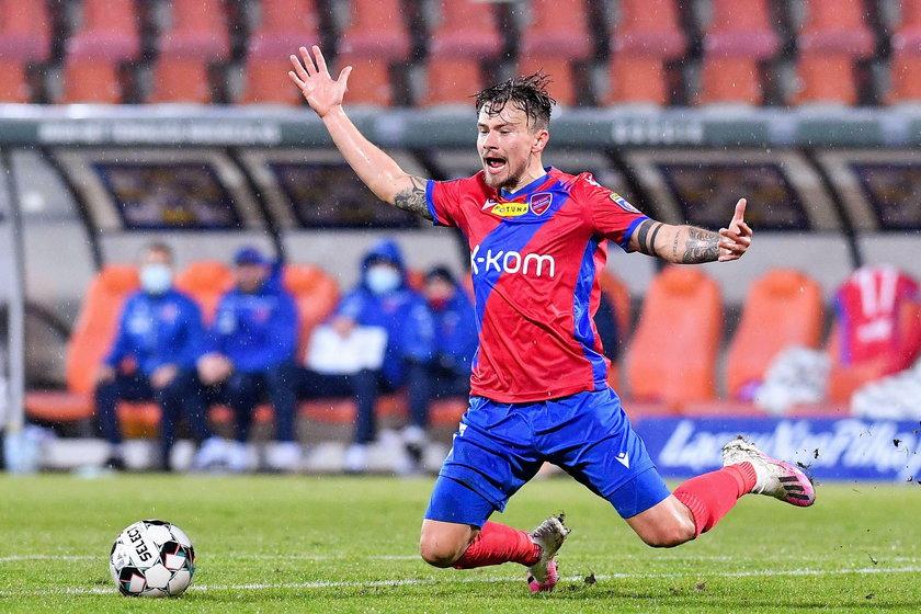 Gdy trafił do Hajduka Split i w kwietniu 2015 roku usłyszał, że zagra w prestiżowym meczu z Rijeką, zagrał świetnie i strzelił gola, choć jeszcze niedługo przed meczem cierpiał w szpitalu.
