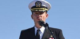 Kapitan lotniskowca apelował do władz USA o pomoc. Został zwolniony
