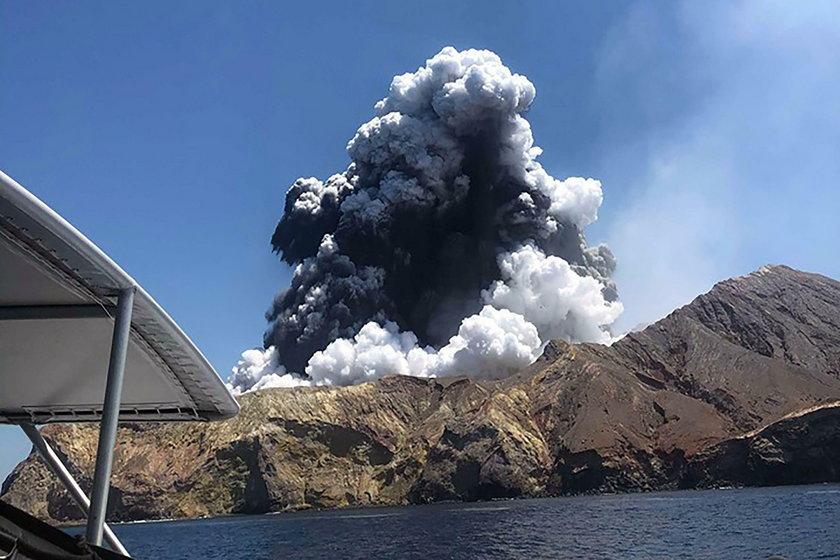 Wybuch wulkanu White
