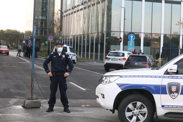 Uviđaj nakon pucnjave u tržnom centru