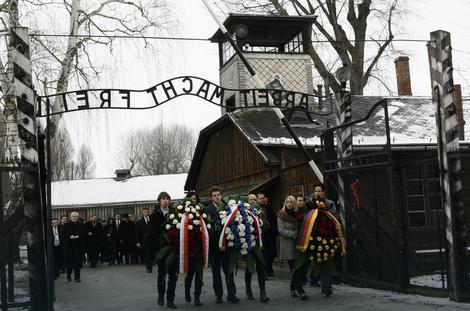 U Aušvicu odata pošta žrtvama holokausta