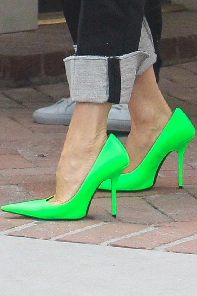 Dva broja veće cipele