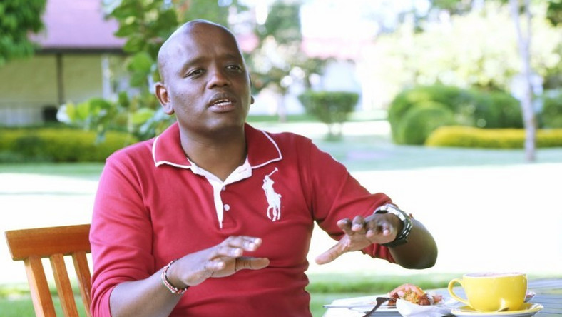 Itumbi roasted for recommending Eliud Kipchoge for a Presidential award