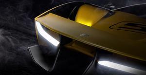 EF7 Vision Gran Turismo - nadjeżdża wyścigówka Fittipaldiego