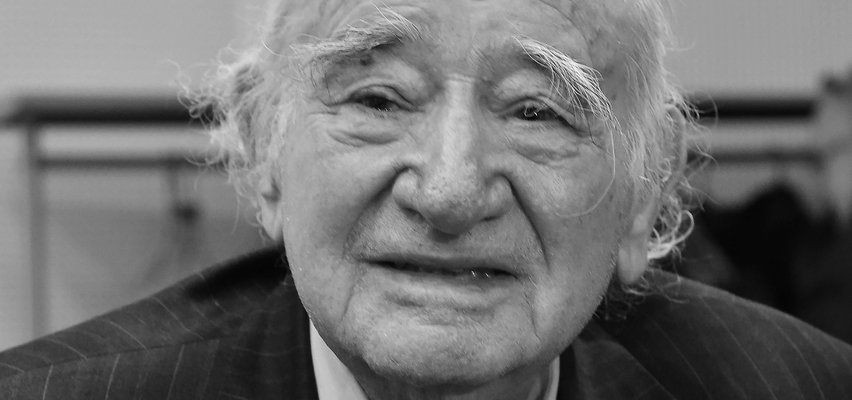 Roman Kent nie żyje. Był przewodniczącym Międzynarodowego Komitetu Oświęcimskiego
