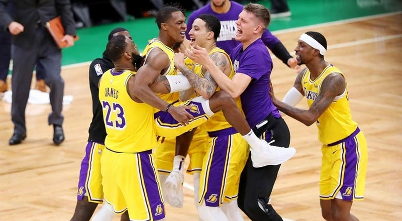 Rondo beats the buzzer as Lakers win over Kyrie's Celtics