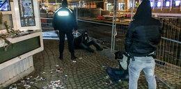 Byli tak zajęci okradaniem, że nie zauważyli policjantów