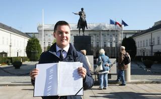 Mazurek: Poseł Rzepecki sam postawił się poza PiS