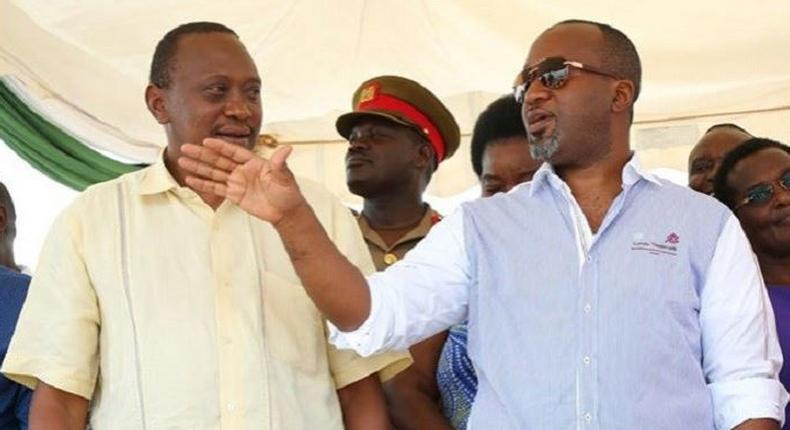 Mombasa Governor Hassan Joho (right) together with President Uhuru Kenyatta
