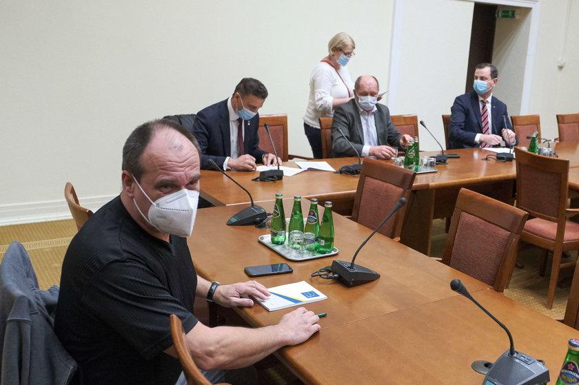 Posłowie Kukiz'15 wyrzuceni z Koalicji Polskiej