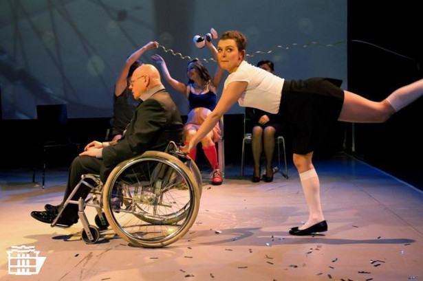 """Ene due rike fake"" fot. Monika Lisiecka/Teatr Polski w Poznaniu"