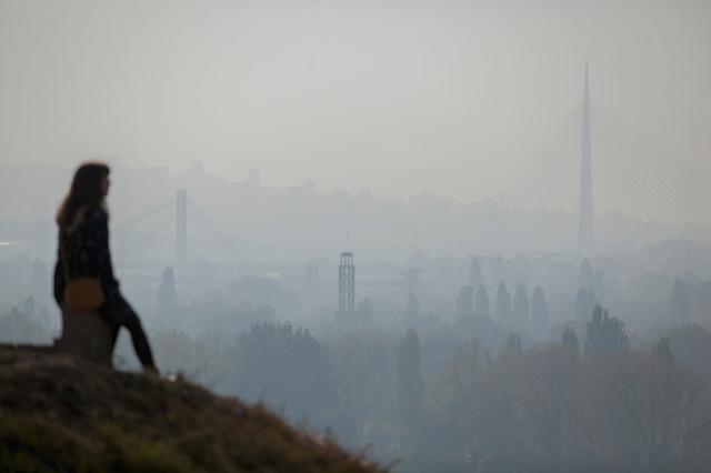 Grad jezivo izgleda kada je pun smoga