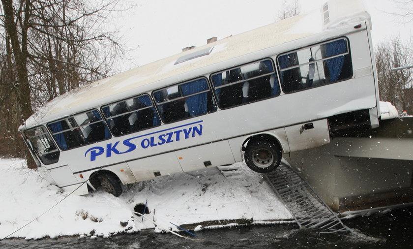 Wypadek autobusu w Wielbarku