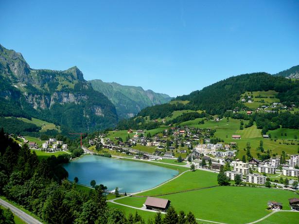"""Szwajcarskie """"nie"""" dla dochodu podstawowego nie zmieni tego, że pomysł będzie podejmowany w innych krajach"""