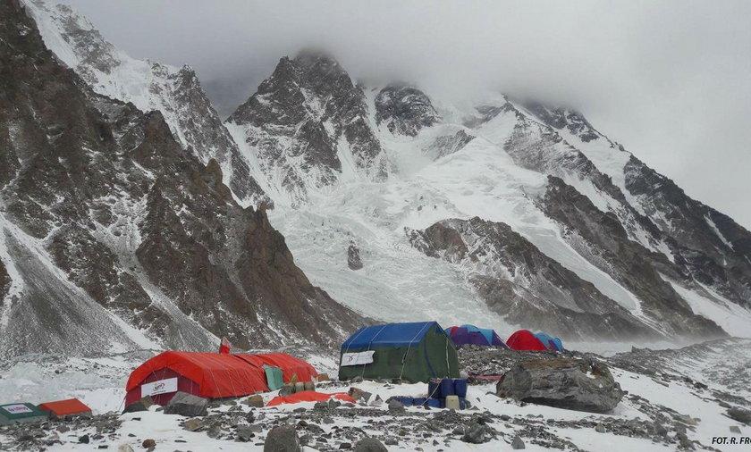 Problemy z ewakuacją Polaka rannego w drodze na K2. Pakistańczycy żądają gwarancji finansowych