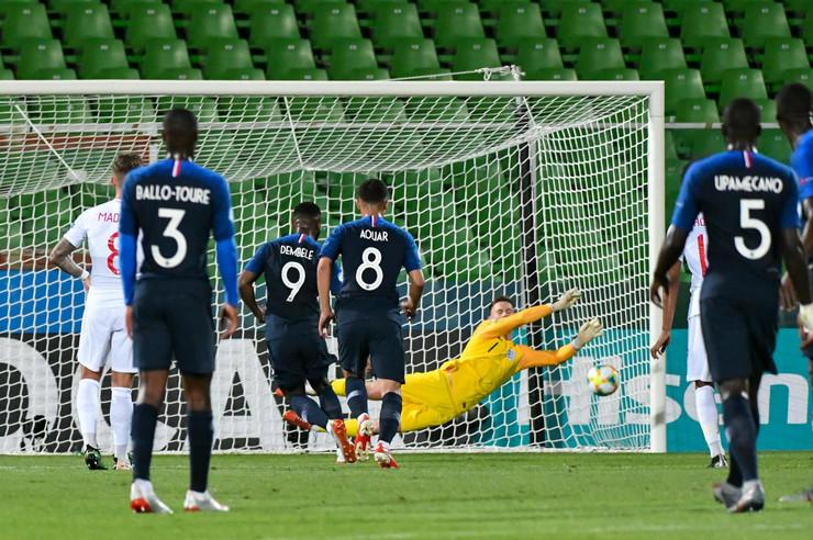 Mlada fudbalska reprezentacija Engleske, Mlada fudbalska reprezentacija Francuske