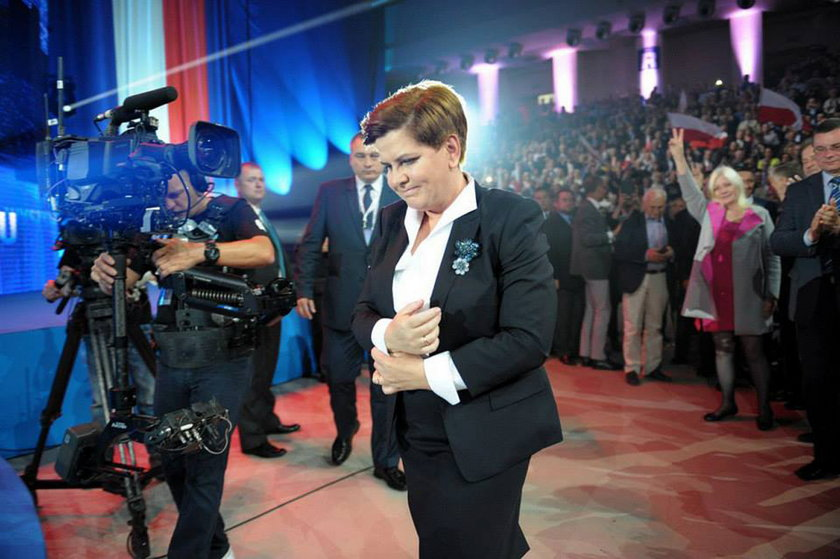 Premier Beata Szydło i broszki
