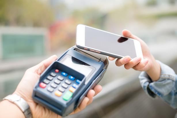 Na tle przedsiębiorców z innych krajów członkowskich UE polskie firmy wypadają dość blado, jeśli chodzi o upowszechnienie transakcji wirtualnych.
