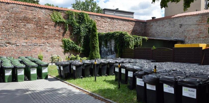 Radni oskarżają miasto o zbezczeszczenie miejsca pamięci! Gdańsk odpowiada: To było chwilowe rozwiązanie
