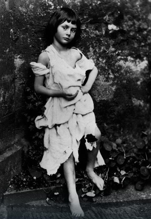 Mała żebraczka (1859) - najsłynniejsze zdjęcie Alice Liddell