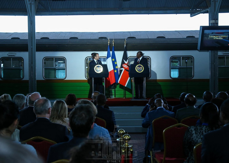 French President Emmanuel Macron and President Uhuru Kenyatta during a public address at the Nairobi Central Railway Station (PSCU)