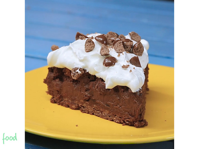 14_Noizz_food_Torta_od_cokoladnih_zitarica_safe