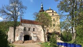 Kapsuła czasu znaleziona w Dworze Sarny na Dolnym Śląsku