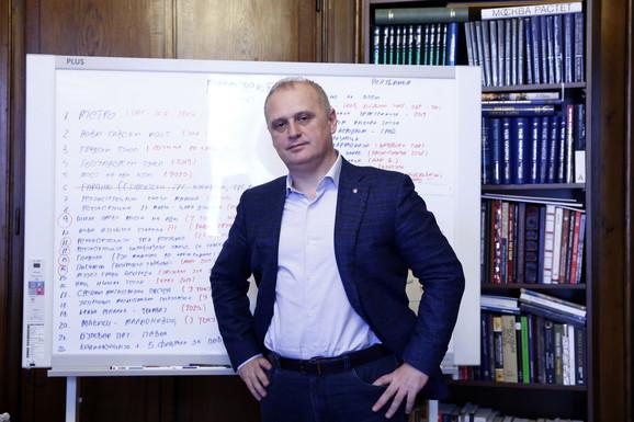 Goran Vesić: Ove godine biće urađeno više desetina kilometara najprometnijih ulica