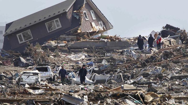 Ofiary kataklizmów, jakie dotknęły Japonię, będą chowane w tymczasowych zbiorowych mogiłach
