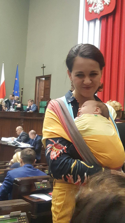 Kornelia Wróblewska z córką w Sejmie