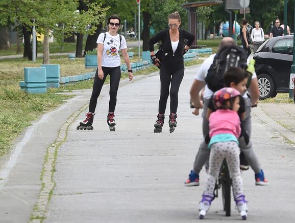I u parkovima je neophodno držati distancu od dva metra