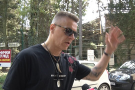 """""""POČEO SAM DA LIČIM NA INDIJANSKU BABU"""" Pevačeva izjava o promeni frizure je LEGENDARNA (VIDEO)"""