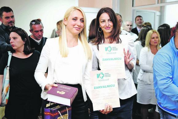 """Jelena Drakulić Petrović i Nada Stamatović iz """"Blic fondacije"""""""