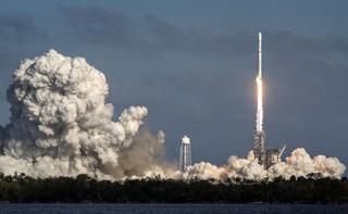 USA: Główny człon rakiety Falcon Heavy wpadł do wody
