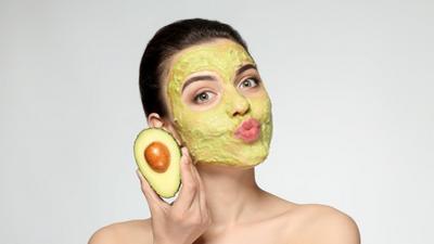 15 minutes de soins du visage pour une peau impeccable